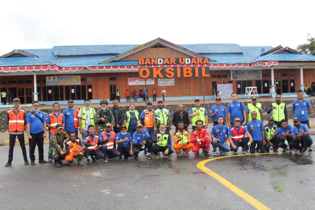 Kabandara Agus Hadi beserta jajaran Bandara Oksibil - Bandara Oksibil; Maksimalkan Kargo Perintis